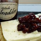 Ristede valnødder i brombær/honningsirup med chili