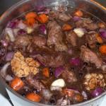 Svinekæber i chilisauce - klar til simring