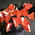 Chiliqourice grapefruit - kødet skæres i stykker