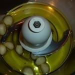 Butterbean-lemon cream and crayfish in garlic oil - olie og hvidløg